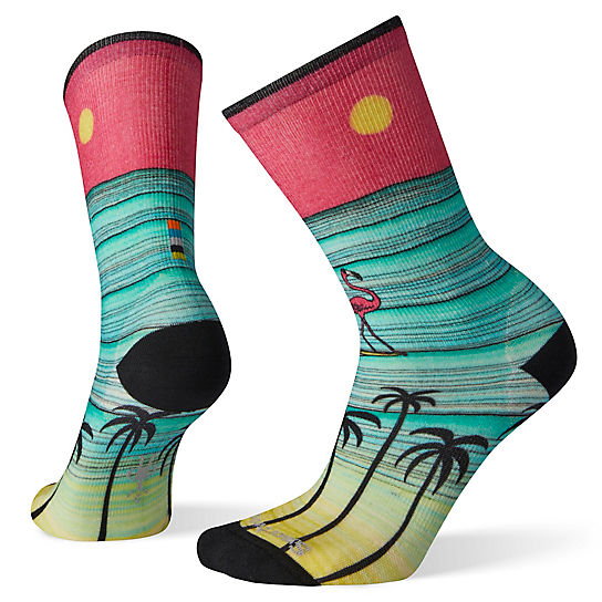 Women's Curated Surfing Flamingo Crew Socks